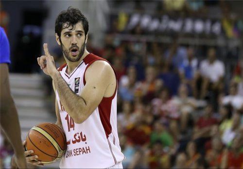 نیکخواه بهرامی: جذب مربی خارجی با بودجه بسکتبال امکان پذیر نیست، برای خداحافظی عجله ای ندارم