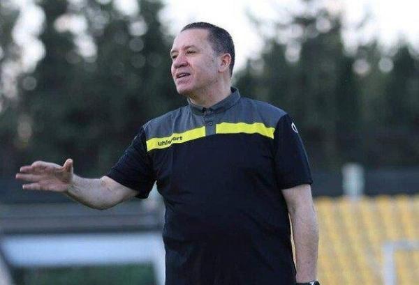 سرمربی تیم ملی فوتبال سوریه از سمتش استعفا کرد